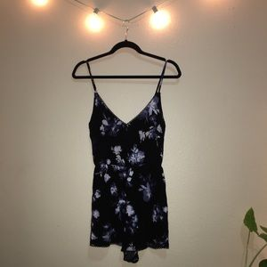 Floral Pacsun Kendall & Kylie Romper NWT